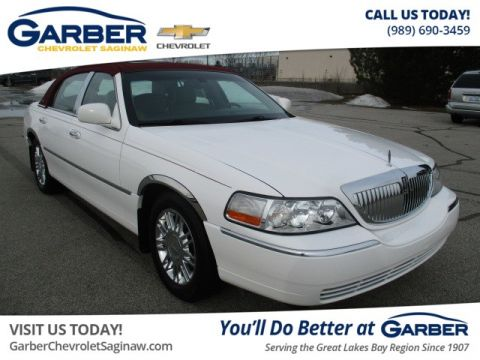 Pre-Owned 2010 LINCOLN Town Car Signature Limited