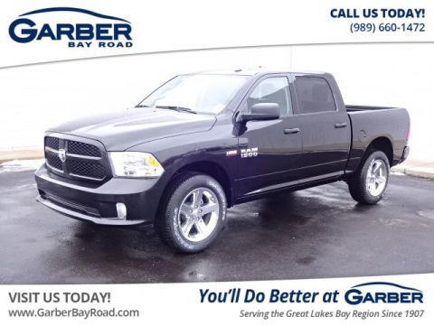 New 2018 RAM 1500 ST 4WD