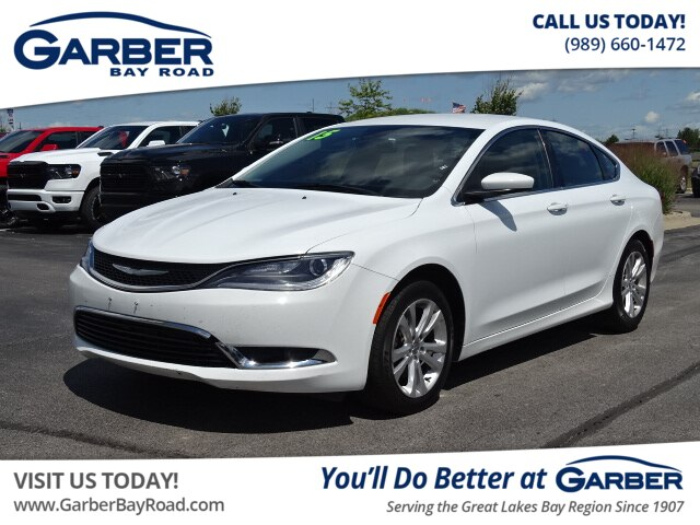 Chrysler 200 Limited >> Pre Owned 2015 Chrysler 200 Limited Fwd Sedan
