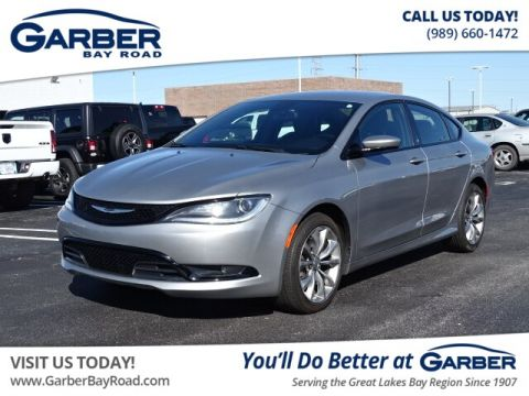 Pre-Owned 2016 Chrysler 200 S FWD Sedan