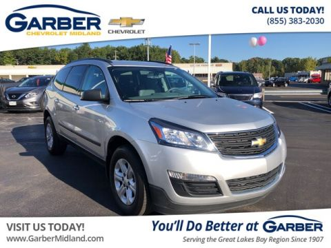 Pre-Owned 2017 Chevrolet Traverse LS FWD SUV