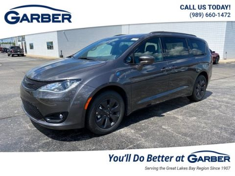 New 2020 Chrysler Pacifica Hybrid Touring L